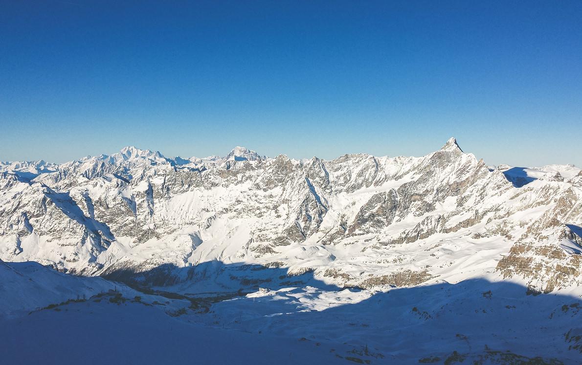 zermatt-mountain-blue