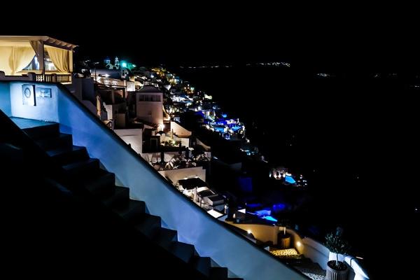 nightshot oia santorini greece
