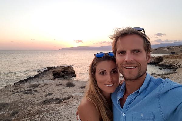 couple sunset koufonisi koufonissia greece