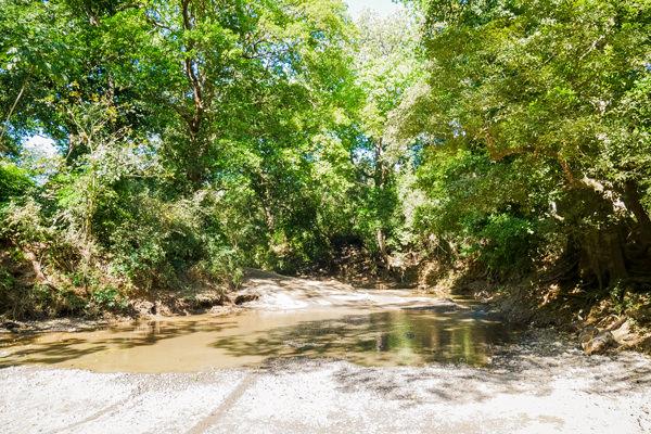 dirt road guanacaste costa rica